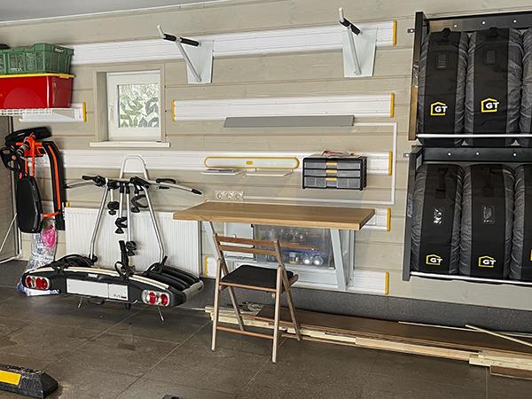 Подвесной стол со столешницей из массива дуба 120 см