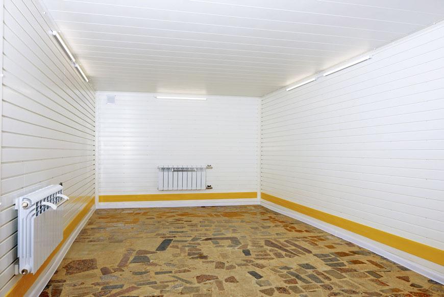 Чем отделать гараж дешево
