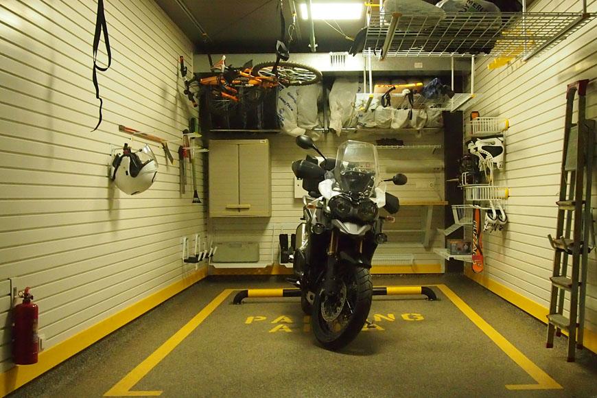 Как сделать гараж для мотоцикла видео