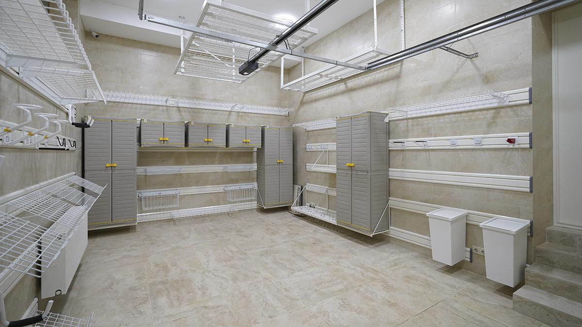 После обустройства – Обустройство гаража 24 кв. м с отделкой из керамогранита