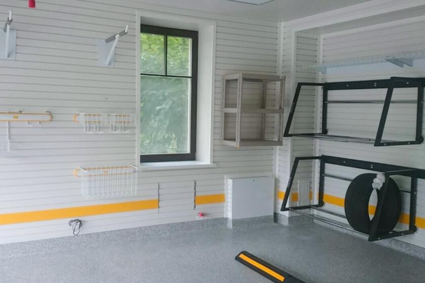 Обустройство гаража со сложным полом и коммуникациями