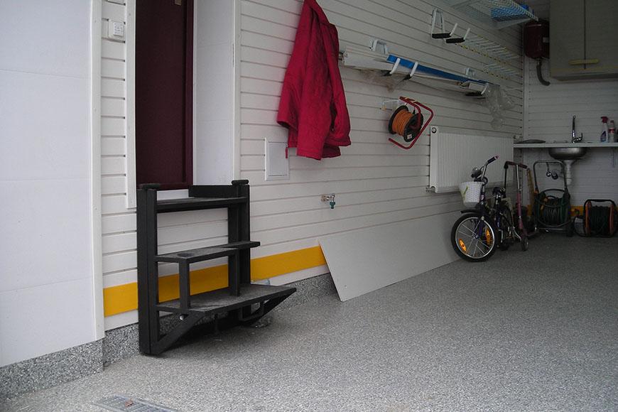 Узкий гараж с высоким потолком